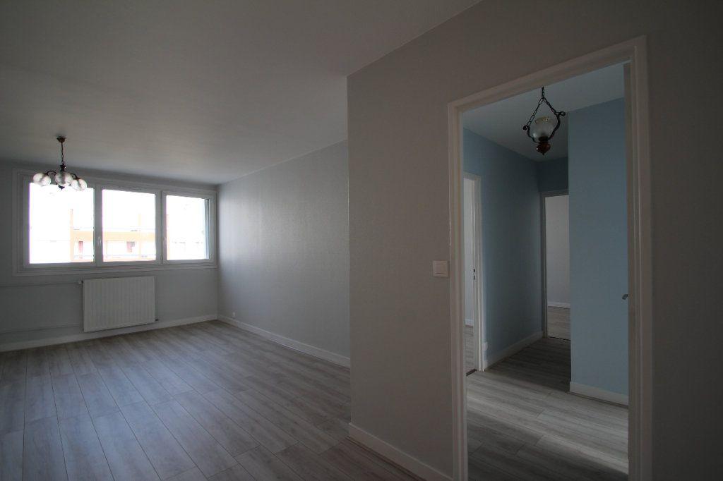 Appartement à vendre 4 75.38m2 à Fleury-les-Aubrais vignette-16