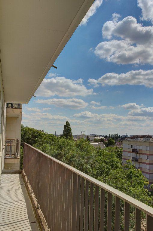 Appartement à vendre 3 72m2 à Fleury-les-Aubrais vignette-1