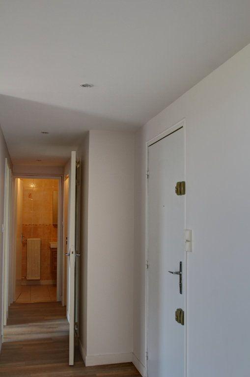 Appartement à vendre 3 72m2 à Fleury-les-Aubrais vignette-6