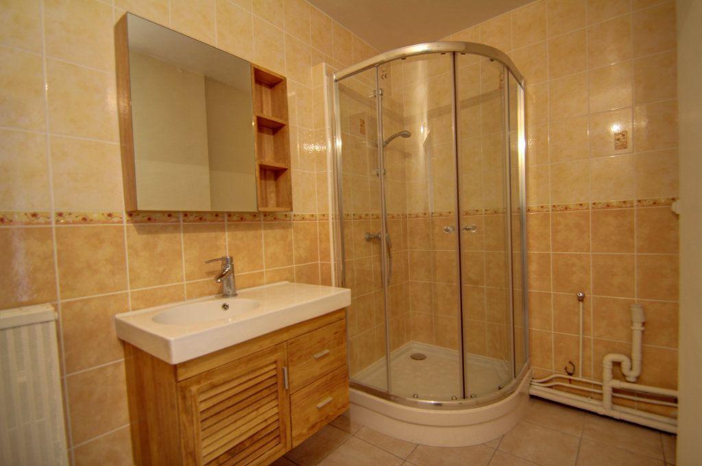 Appartement à vendre 3 72m2 à Fleury-les-Aubrais vignette-8