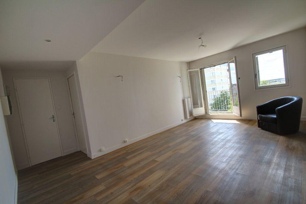 Appartement à vendre 3 72m2 à Fleury-les-Aubrais vignette-12