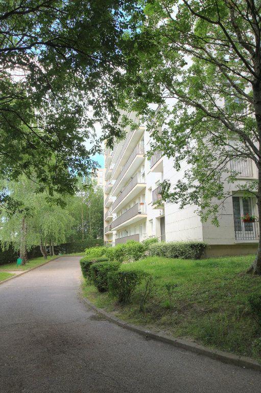 Appartement à vendre 3 72m2 à Fleury-les-Aubrais vignette-16
