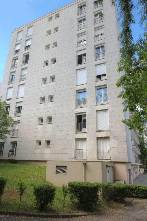 Appartement à vendre 3 72m2 à Fleury-les-Aubrais vignette-17