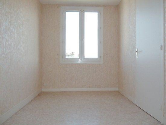 Appartement à louer 4 64m2 à Saint-Jean-de-la-Ruelle vignette-7
