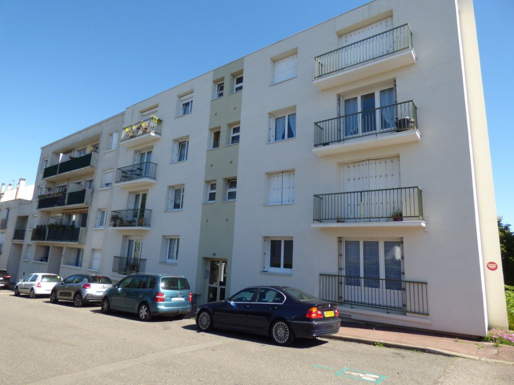 Appartement à vendre 3 74m2 à Limoges vignette-1