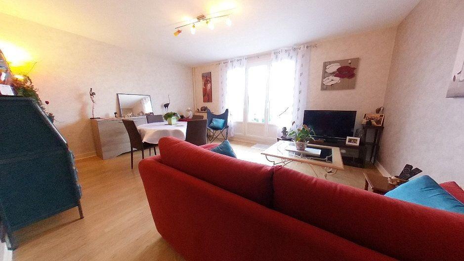 Appartement à vendre 3 74m2 à Limoges vignette-3
