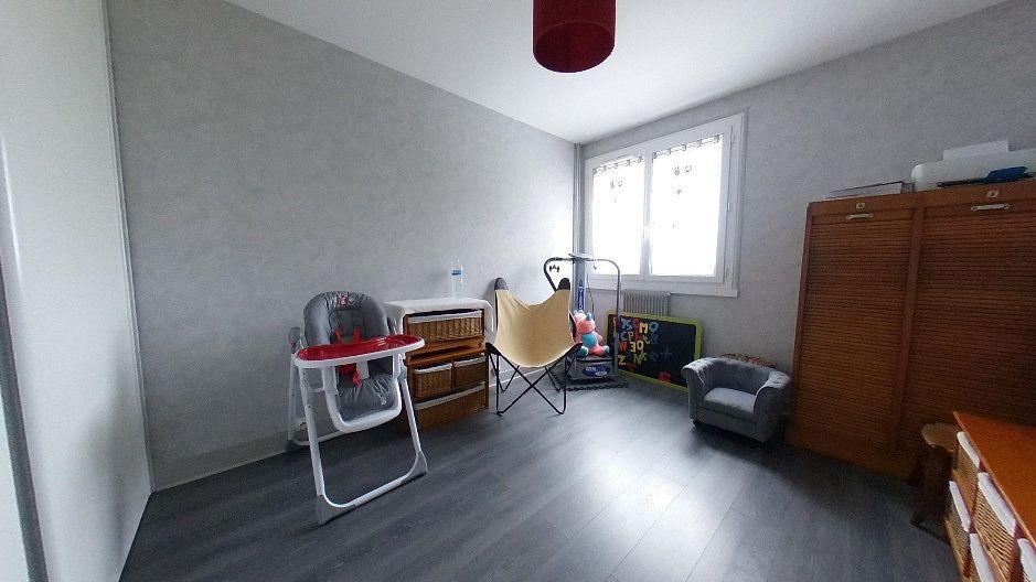 Appartement à vendre 3 74m2 à Limoges vignette-4