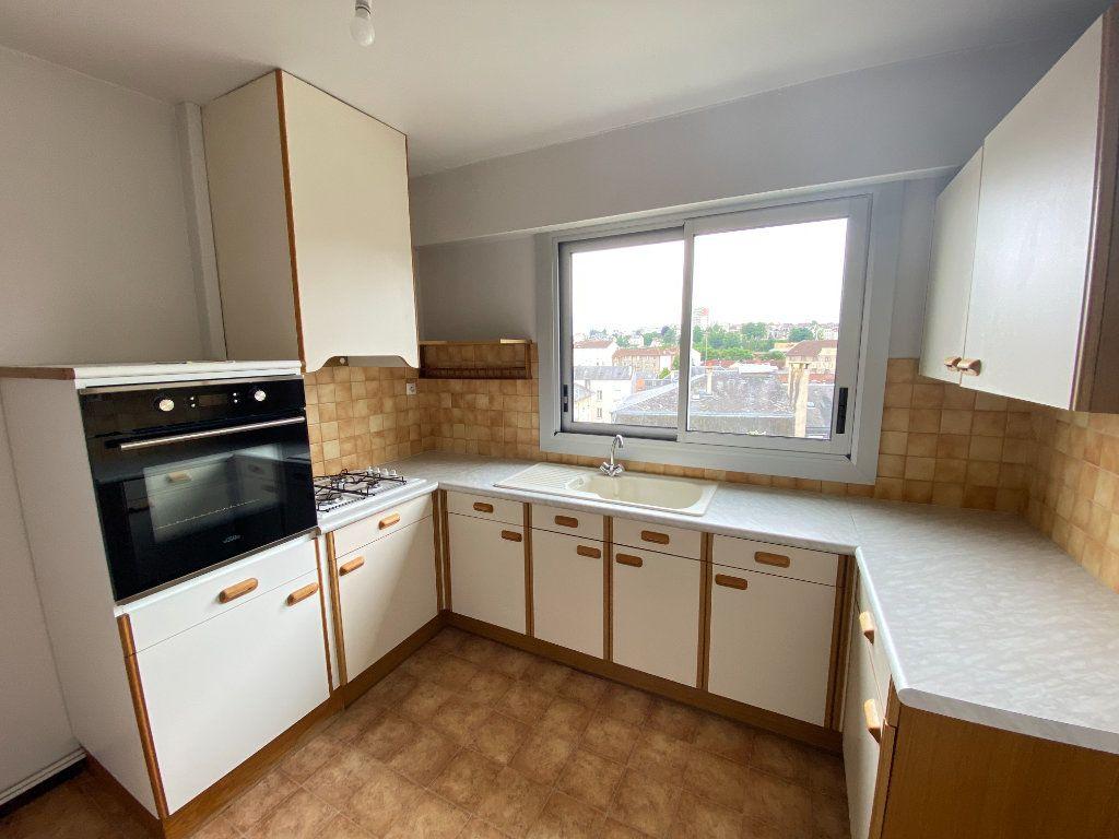 Appartement à louer 3 64.43m2 à Limoges vignette-1