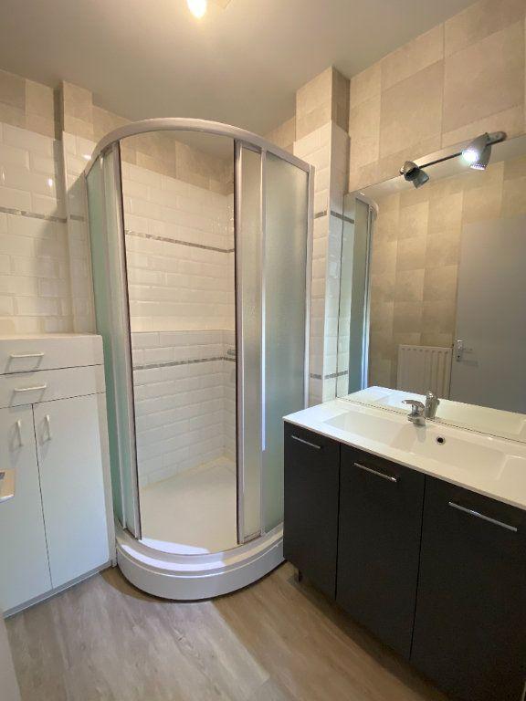 Appartement à louer 3 64.43m2 à Limoges vignette-3