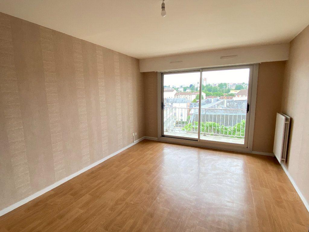 Appartement à louer 3 64.43m2 à Limoges vignette-4