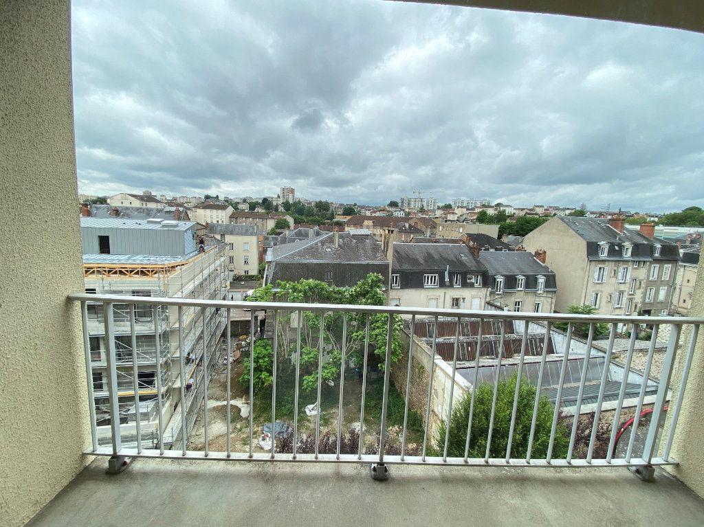 Appartement à louer 3 64.43m2 à Limoges vignette-5