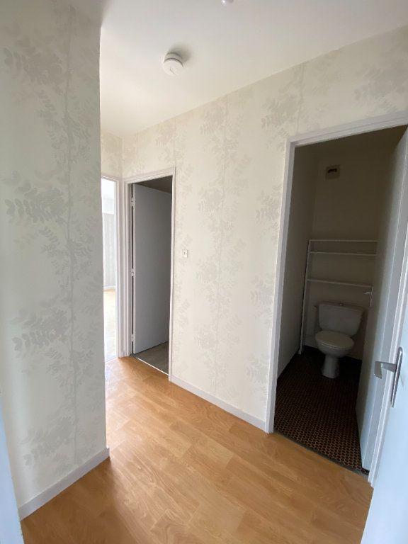 Appartement à louer 3 64.43m2 à Limoges vignette-7