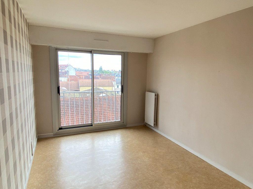 Appartement à louer 3 64.43m2 à Limoges vignette-11
