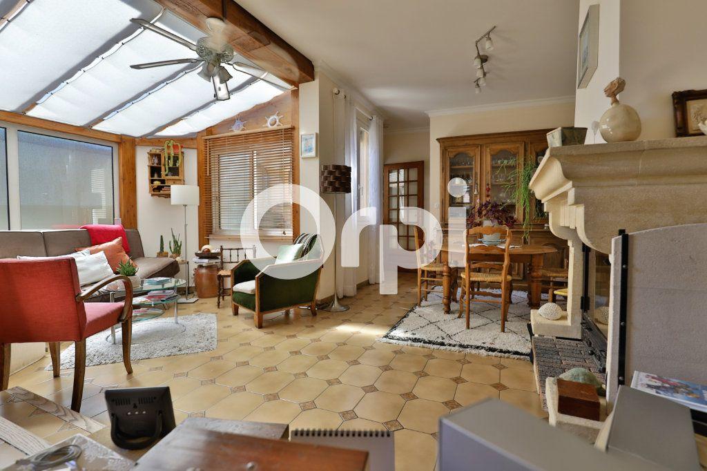 Maison à vendre 4 71m2 à Saint-Germain-en-Laye vignette-1
