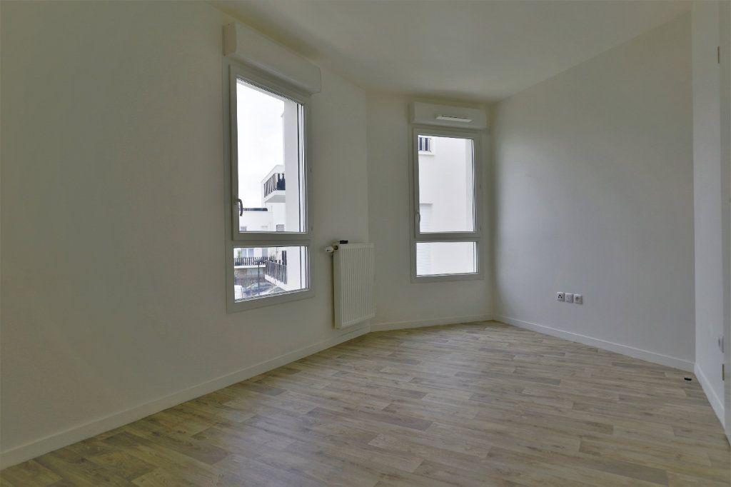 Appartement à vendre 3 57.6m2 à Poissy vignette-3