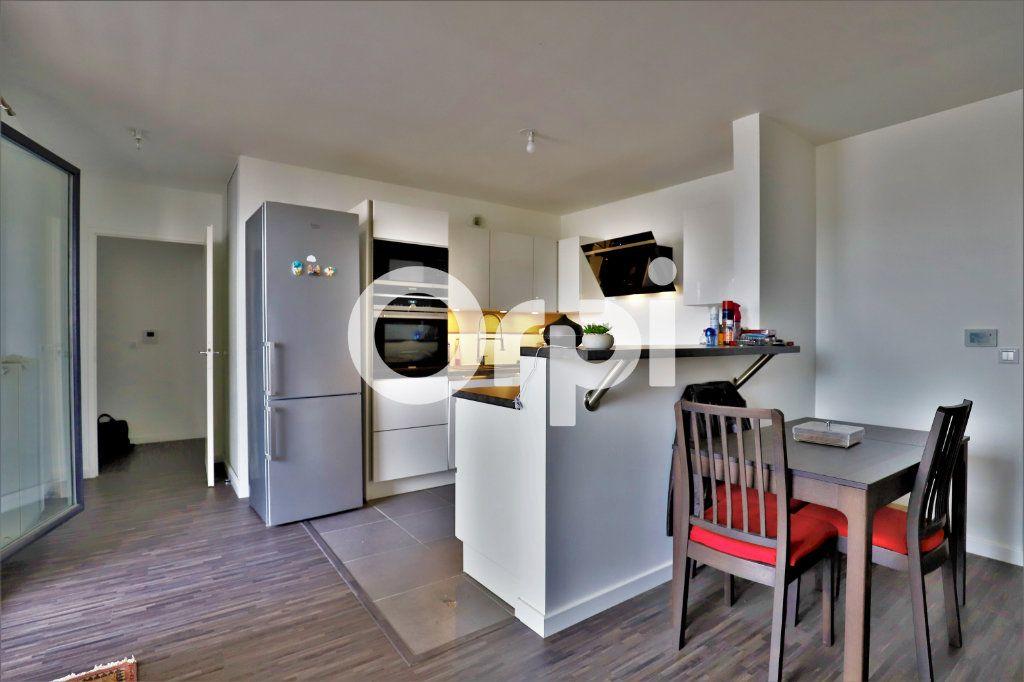 Appartement à vendre 4 78.27m2 à Poissy vignette-2