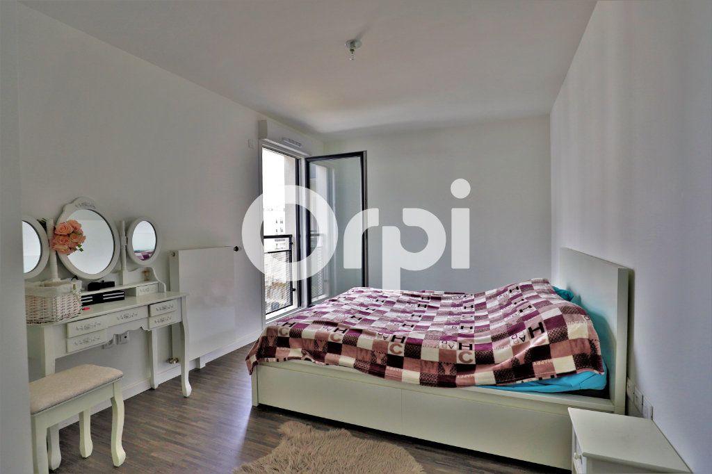 Appartement à vendre 4 78.27m2 à Poissy vignette-4
