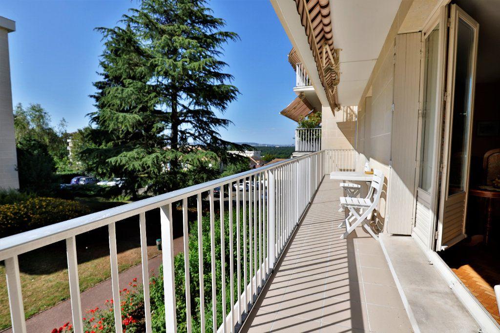 Appartement à vendre 5 107.06m2 à Chambourcy vignette-1