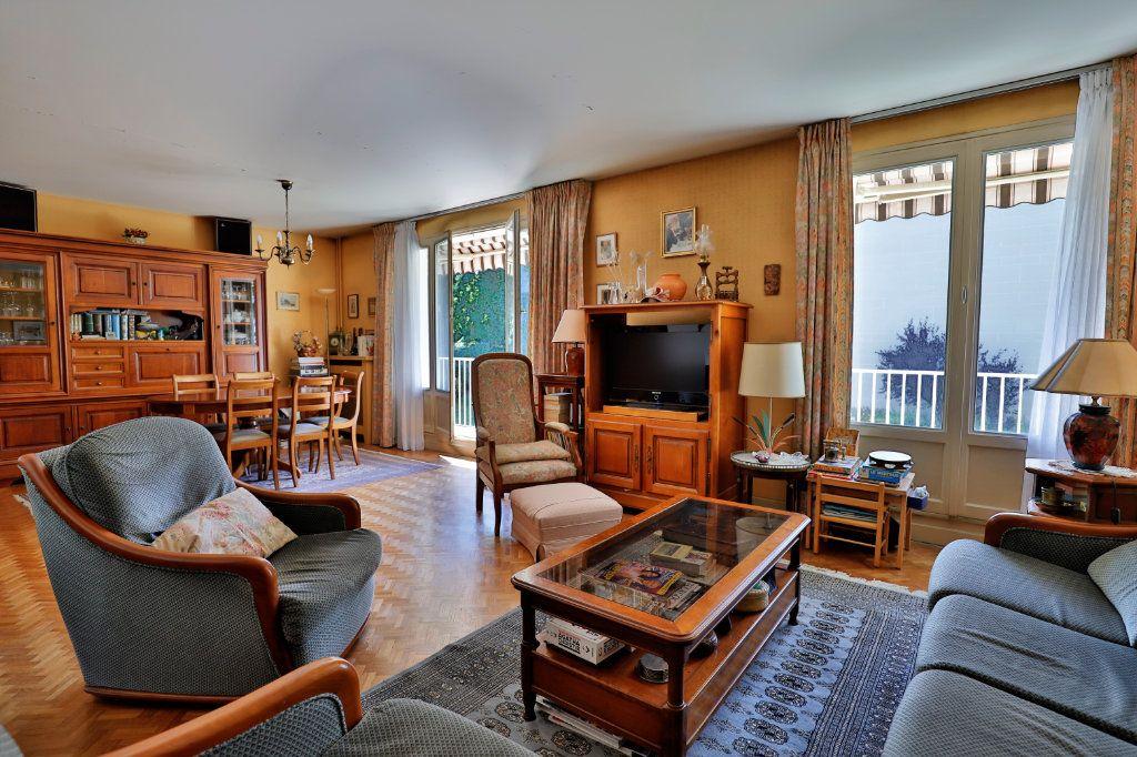 Appartement à vendre 5 107.06m2 à Chambourcy vignette-2