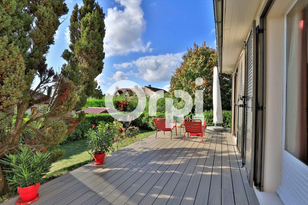 Maison à vendre 6 115m2 à Morainvilliers vignette-2