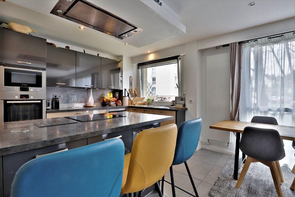 Appartement à vendre 3 70.34m2 à Chambourcy vignette-1