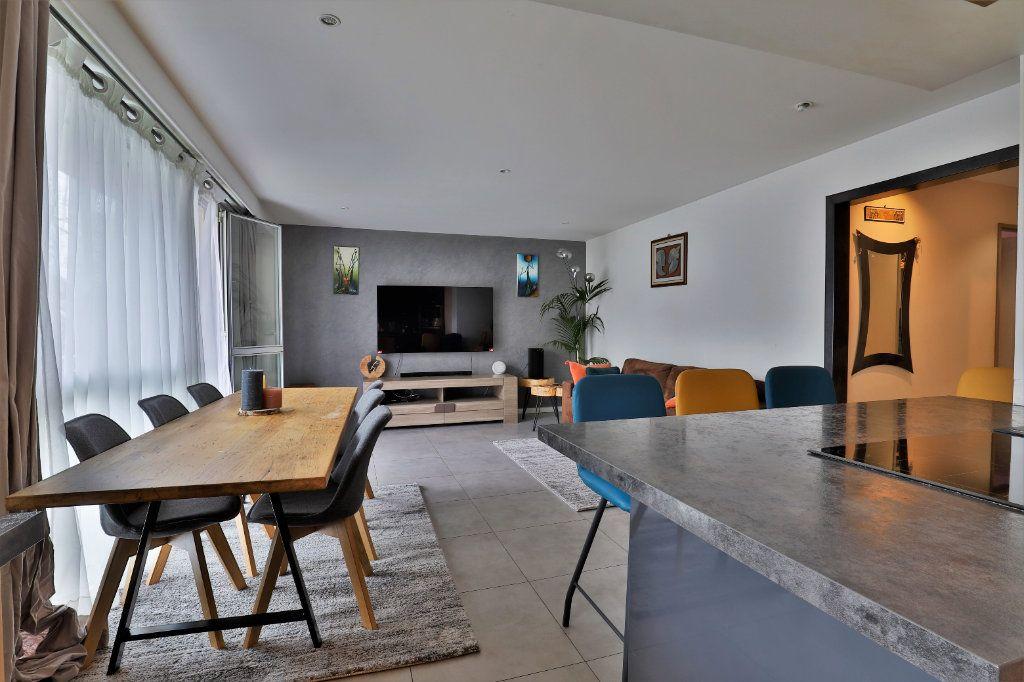 Appartement à vendre 3 70.34m2 à Chambourcy vignette-3