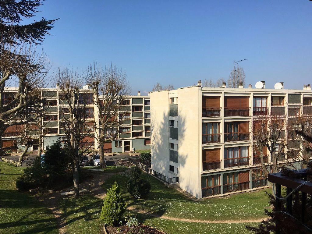 Appartement à louer 3 62.26m2 à Chambourcy vignette-1