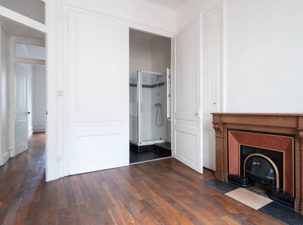 Appartement à vendre 2 50m2 à Lyon 3 vignette-4