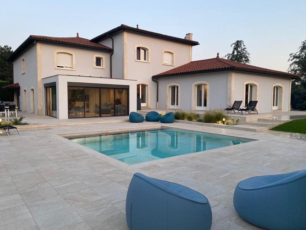 Maison à vendre 9 506m2 à Tassin-la-Demi-Lune vignette-4