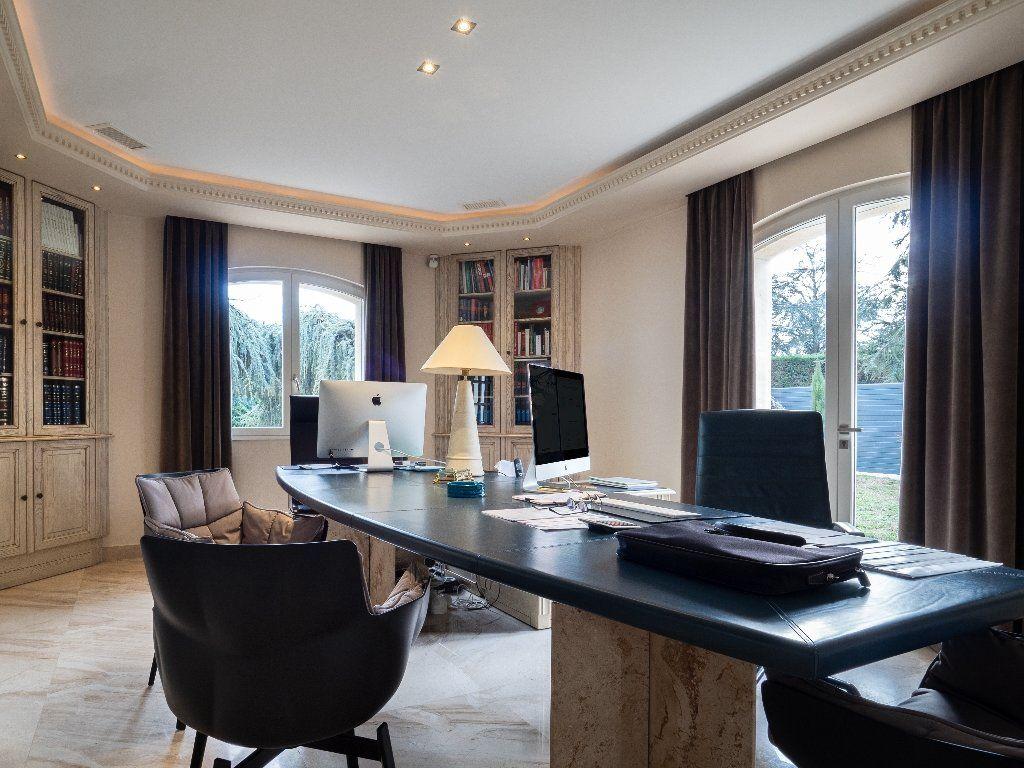 Maison à vendre 9 506m2 à Tassin-la-Demi-Lune vignette-14