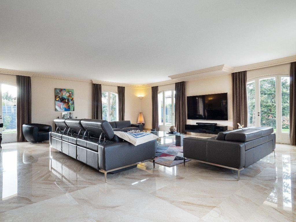 Maison à vendre 9 506m2 à Tassin-la-Demi-Lune vignette-15