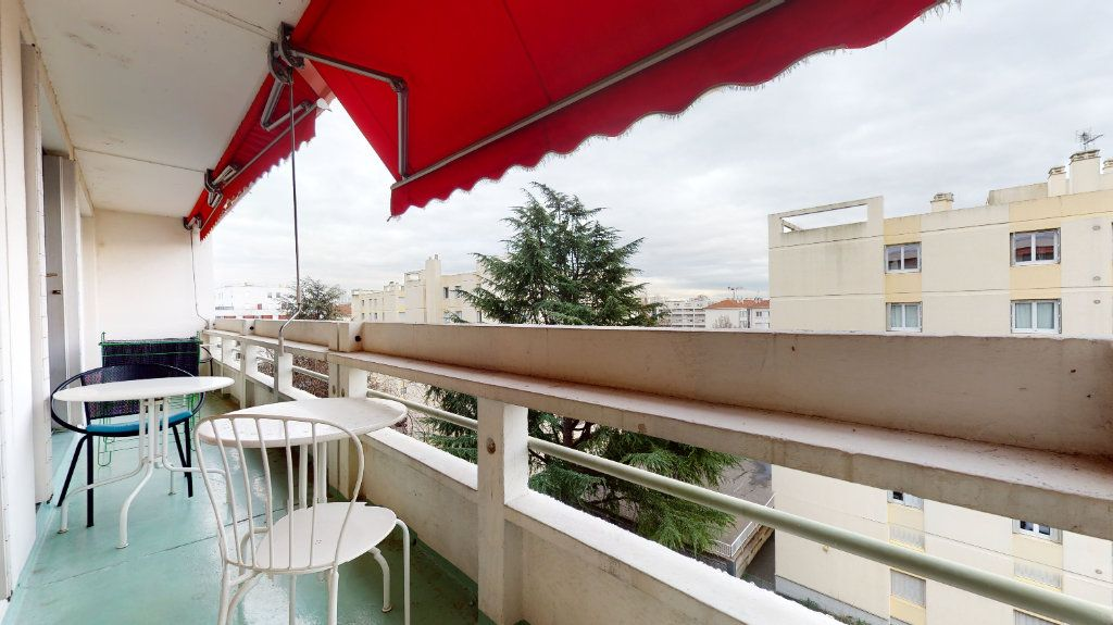 Appartement à vendre 6 92m2 à Lyon 7 vignette-1