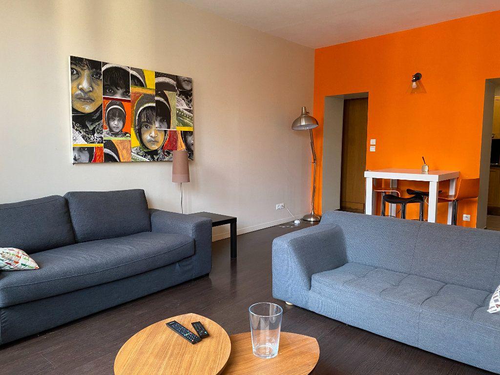 Appartement à vendre 2 63.99m2 à Lyon 2 vignette-1