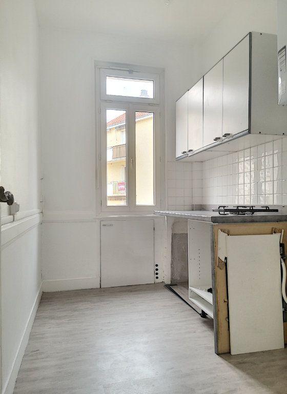 Appartement à louer 2 40.01m2 à Vichy vignette-4