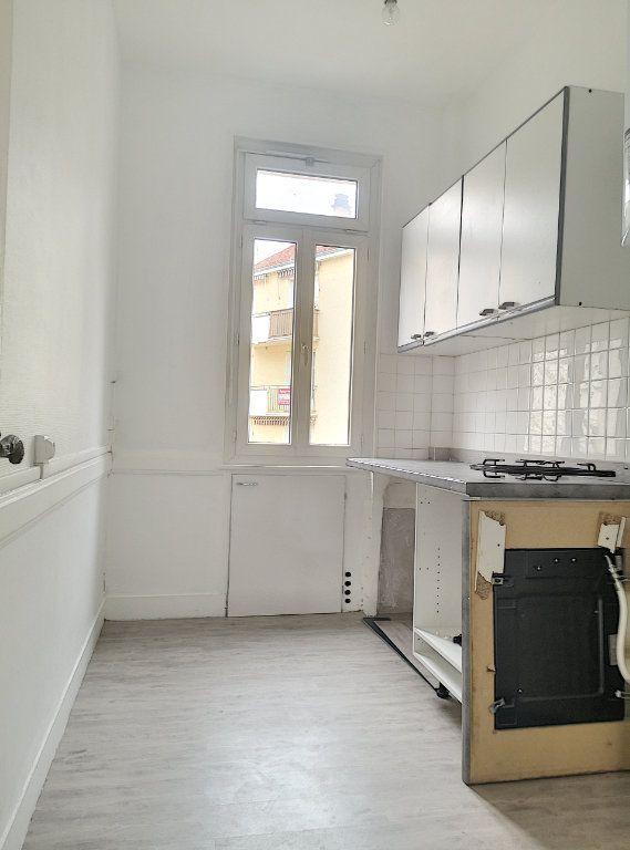 Appartement à louer 2 40.01m2 à Vichy vignette-5