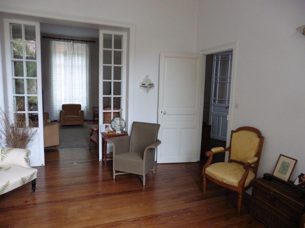 Maison à vendre 12 280m2 à Vichy vignette-5