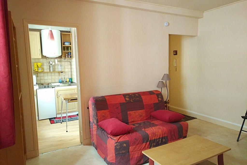 Appartement à louer 1 24m2 à Vichy vignette-4