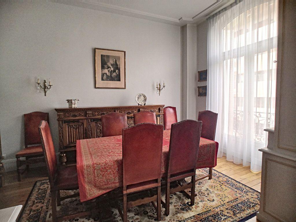 Appartement à vendre 5 133.74m2 à Vichy vignette-5