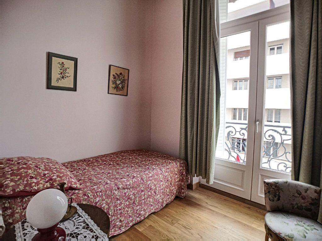 Appartement à vendre 5 133.74m2 à Vichy vignette-8