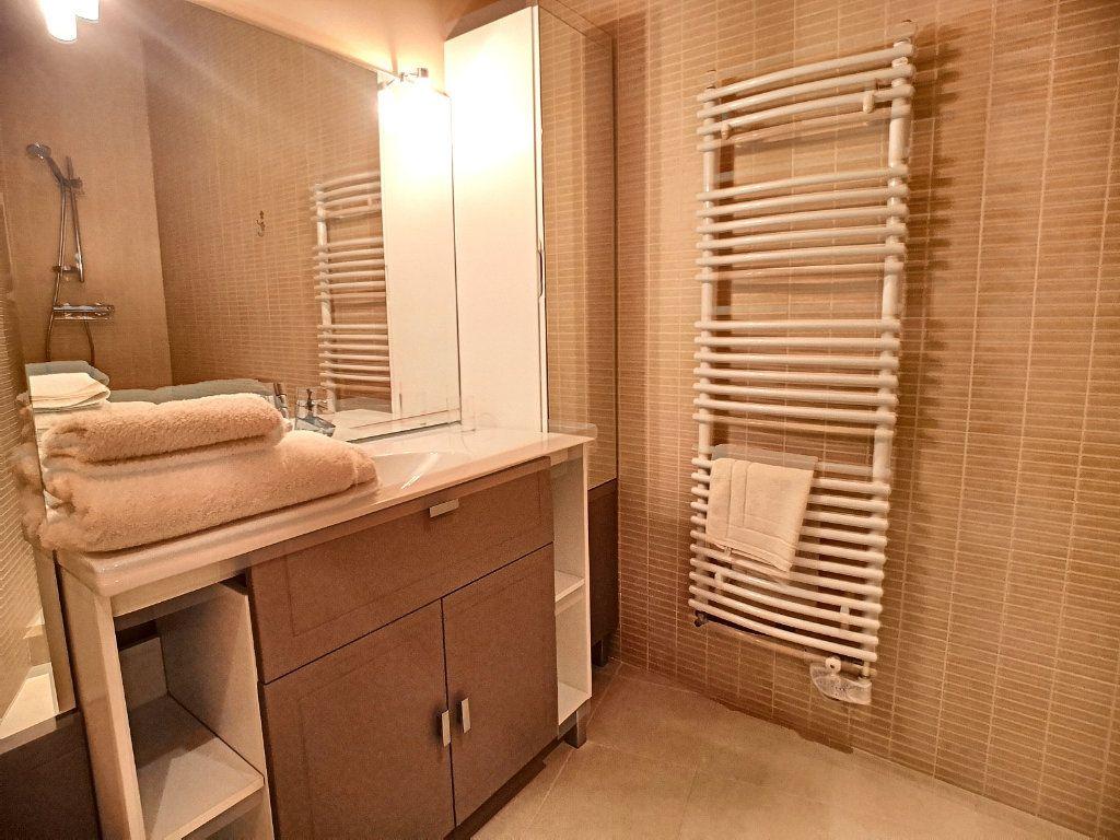Appartement à vendre 5 133.74m2 à Vichy vignette-9