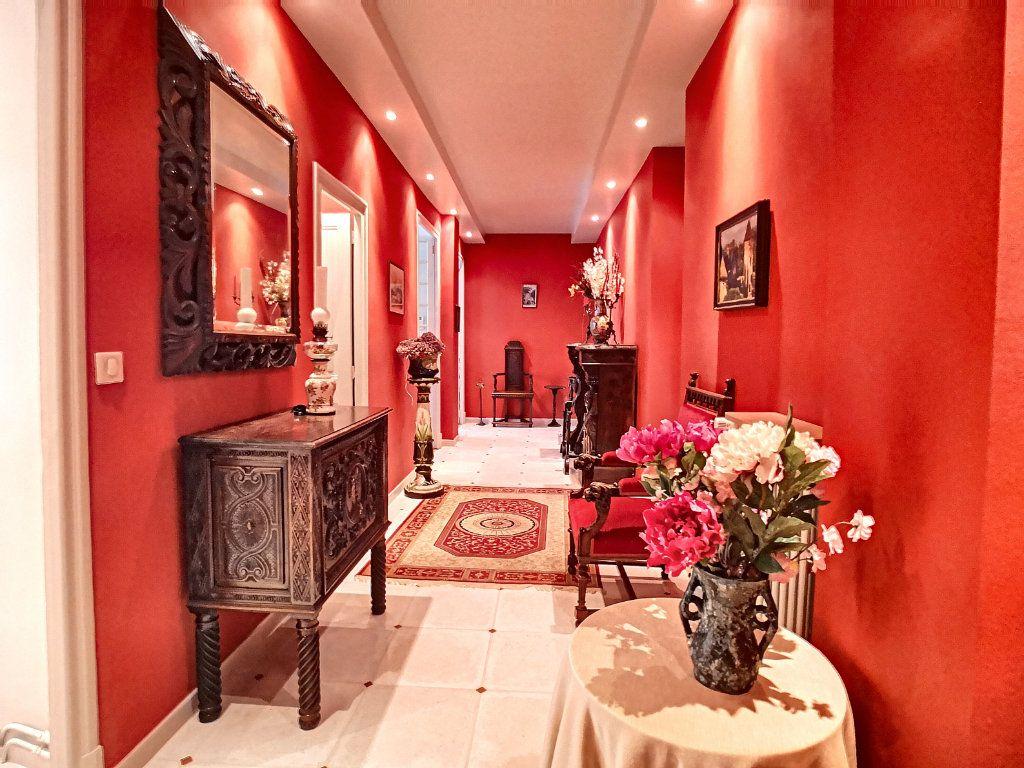 Appartement à vendre 5 133.74m2 à Vichy vignette-10