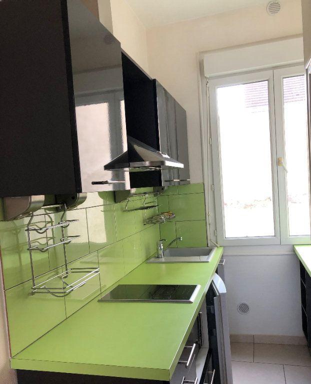 Appartement à louer 1 15.1m2 à Vichy vignette-3