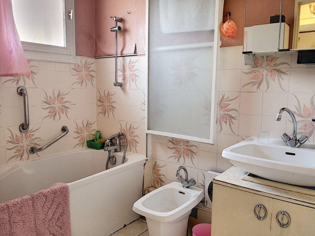 Maison à vendre 4 95m2 à Broût-Vernet vignette-9