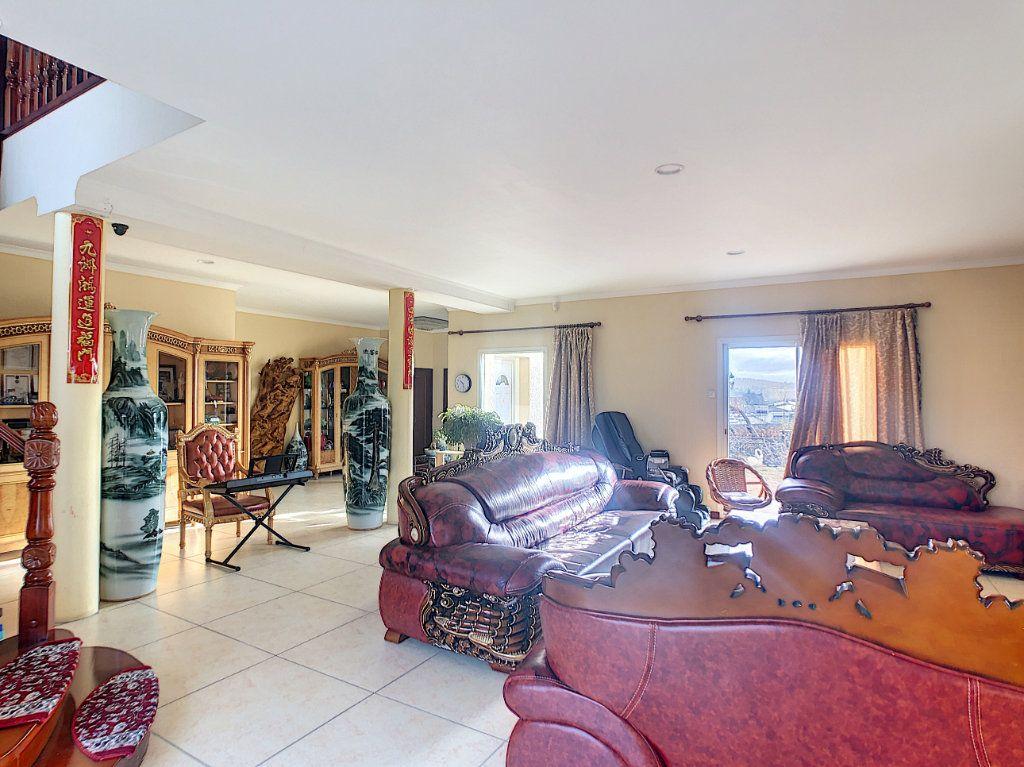 Maison à vendre 10 300m2 à Charmeil vignette-3