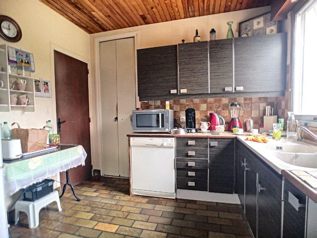 Maison à vendre 6 127m2 à Vendat vignette-2