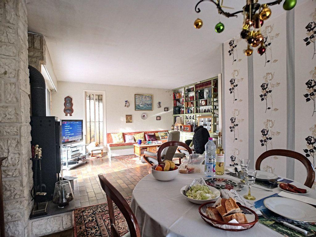 Maison à vendre 6 127m2 à Vendat vignette-3