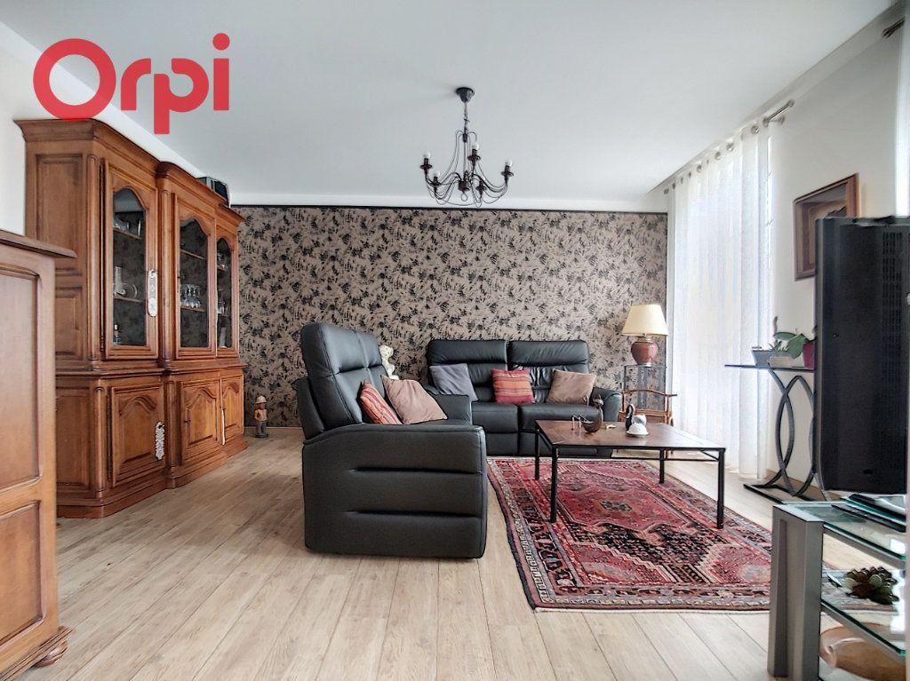 Appartement à vendre 4 125m2 à Vichy vignette-4