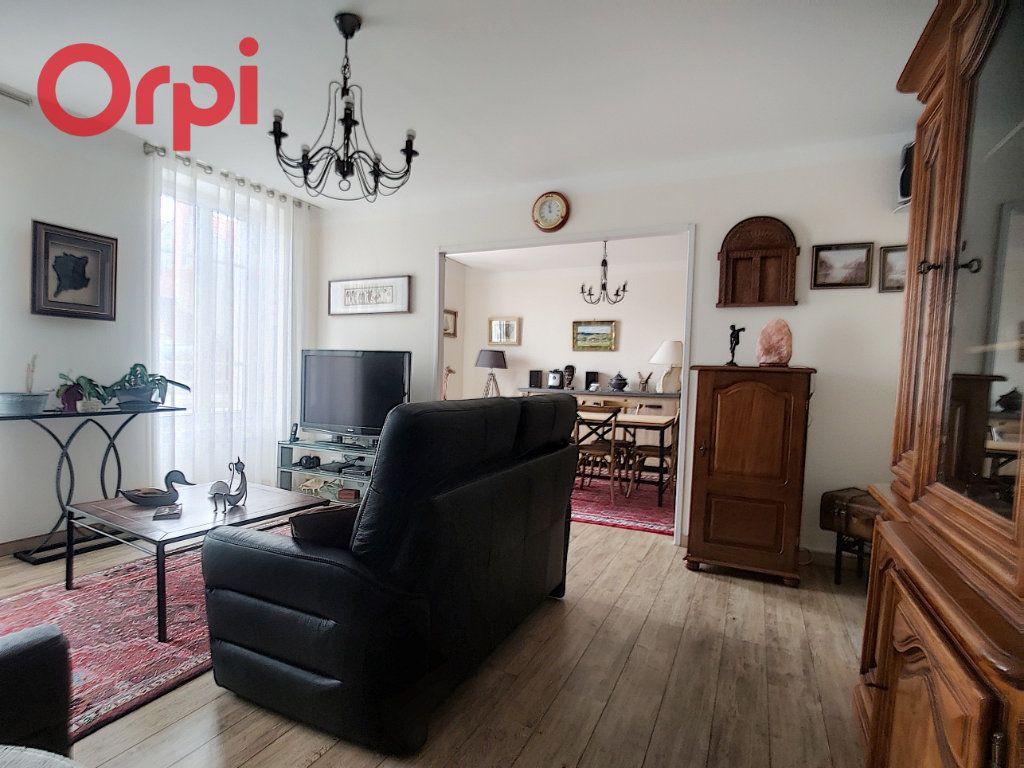 Appartement à vendre 4 125m2 à Vichy vignette-5