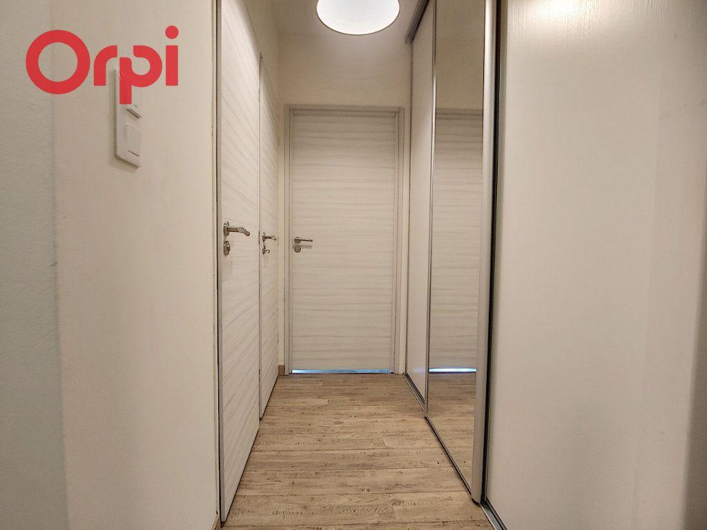 Appartement à vendre 4 125m2 à Vichy vignette-8