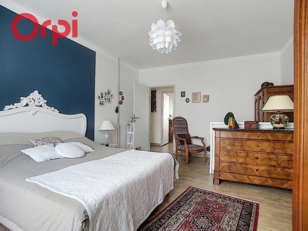 Appartement à vendre 4 125m2 à Vichy vignette-10